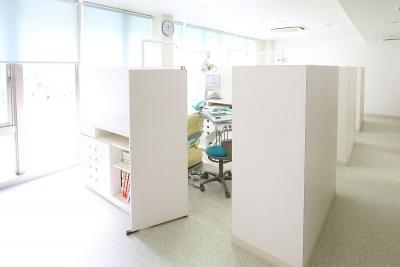 高知市介良の歯医者「いちかわ歯科」の個室診療室