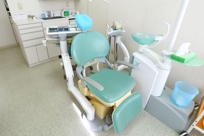 高知市介良の歯医者「いちかわ歯科」の明るく清潔な診療室